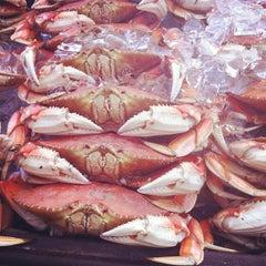 Photo taken at No9 Fisherman's Grotto by Jenn W. on 8/9/2012