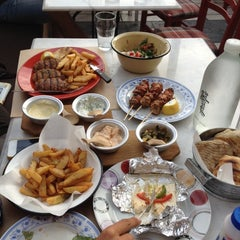 Photo taken at Τρελός Γάιδαρος by Ser S. on 5/20/2012