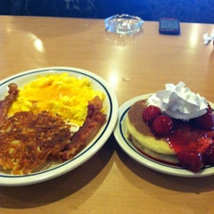 Photo taken at IHOP by Kadesh C. on 4/4/2012