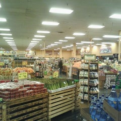 Photo taken at Sprouts Farmers Market by E- C. on 2/8/2012