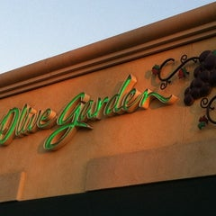 Photo taken at Olive Garden by Juancho G. on 12/27/2011