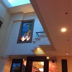 Photo taken at โรงแรมกานต์มณี พาเลซ (Karnmanee Palace) by อัพ แ. on 2/9/2012