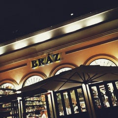 Photo taken at Bráz Pizzaria by Diego Z. on 8/29/2012