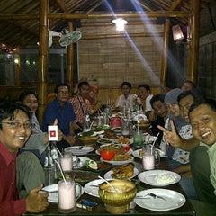 Photo taken at Rumah Makan Carita by Dannis S. on 12/1/2011