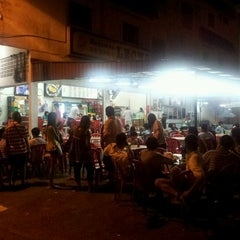 Photo taken at Restoran Leong @ Kemaman by Kelvin T. on 8/30/2011