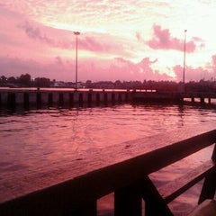 Photo taken at Deepsea Seafood Restaurant by Erycha S. on 5/12/2011