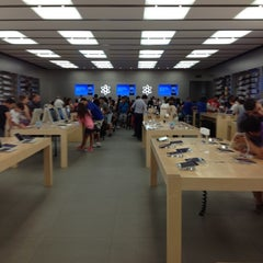 Photo taken at Apple Store, Campania by Vincenzo B. on 6/26/2012