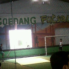 Photo taken at Goedang Futsal by Rusman S. on 9/10/2011