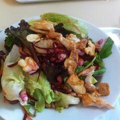 Photo taken at Verde Saladas e Sucos by vinicius s. on 7/13/2012