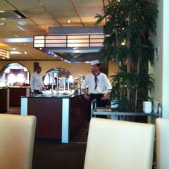 Photo taken at Restaurant De Chinese Muur by Olivia S. on 8/22/2012