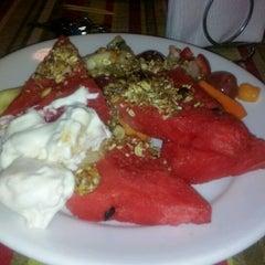 Photo taken at Nutri Vida Restaurante by Laura R. on 2/27/2012