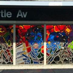 Photo taken at MTA Subway - Myrtle Ave/Broadway (J/M/Z) by Liz S. on 3/13/2012