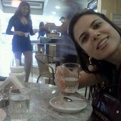 Photo taken at Café Pretto by Gustavo L. on 9/30/2011
