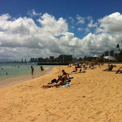 Photo taken at Kaimana Beach Park by masaru s. on 7/10/2012