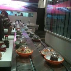 Photo taken at Pink Sushiman by Adrián L. on 11/9/2011