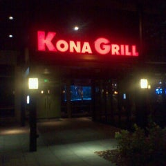 Photo taken at Kona Grill by Divah G. on 9/29/2011