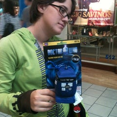 Photo taken at Hot Topic by Wanda S. on 7/4/2012