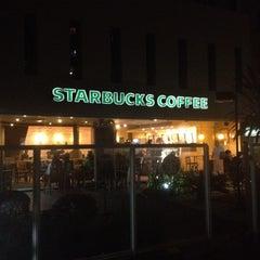 Photo taken at Starbucks by Humberto M. on 7/22/2012