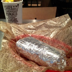 Photo taken at Chipotle Mexican Grill by Gina Marie R. on 4/9/2012