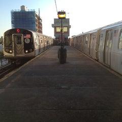Photo taken at MTA Subway - Astoria/Ditmars Blvd (N/Q) by Brian 😜 C. on 8/28/2012