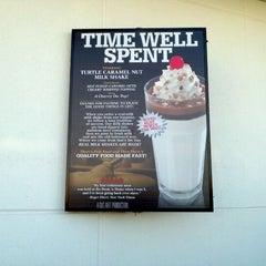 Photo taken at Steak 'n Shake by Shawn P. on 9/17/2011
