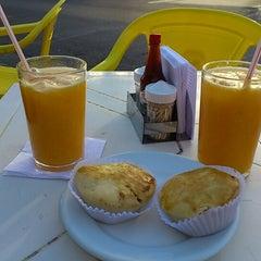 Photo taken at Restaurante Sabor a Mi by Bruna S. on 8/25/2012