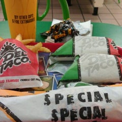 Photo taken at Del Taco by Will P. on 8/23/2011