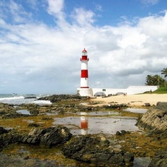 Photo taken at Praia de Itapuã by Lex on 8/5/2012