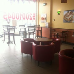 Photo taken at Quiznos Sub Makkah Road by BADER C. on 3/23/2012