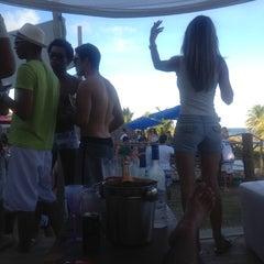 Photo taken at Paparazzi Beach Club by Gabriel G. on 3/11/2012
