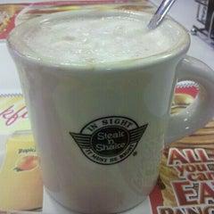 Photo taken at Steak 'n Shake by Ryan on 12/24/2011