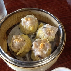 Photo taken at Dim Sum King 點心皇 by Rachelle C. on 9/3/2012