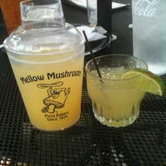 Photo taken at Mellow Mushroom by Monica Z. on 8/13/2012