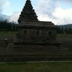 Photo taken at Kompleks Candi Arjuna by Lukman Tri K. on 6/12/2012