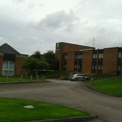 Photo taken at Holiday Inn Rugby-Northampton M1, Jct.18 by Philip B. on 8/27/2012