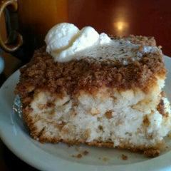 Photo taken at Hobee's Restaurant by Jeannette S. on 9/11/2011