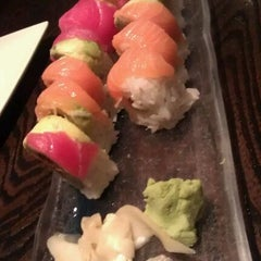 Photo taken at Ki Sushi & Sake Bar by Farah M. on 9/6/2011