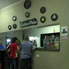 Photo taken at Entra a Pulso by Ronny S. on 11/13/2011