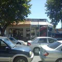 Photo taken at Mcdonald's by Mauricio Miro C. on 1/28/2012