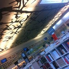 Photo taken at Librería Del Fondo De Cultura Economica by Tronics on 4/24/2012