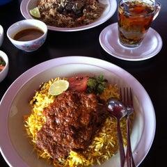 Photo taken at Nasi Arab,Al-Hanin  Larkin Idaman by Shafek on 10/16/2011