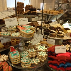 Photo taken at Dean & DeLuca by G.D. on 12/29/2011