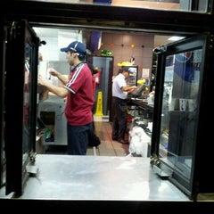 Photo taken at Burger King by Ceci B. on 5/18/2012