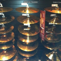 Photo taken at Guitar Center by Dave P. on 8/16/2011