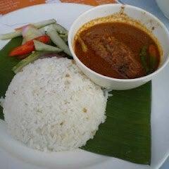 Photo taken at Nasi Dagang Ulik Mayang by ieyna k. on 2/5/2012