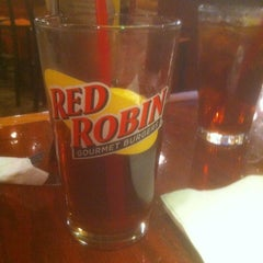 Photo taken at Red Robin Gourmet Burgers by Scott A. on 4/17/2012
