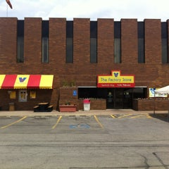 Photo taken at Vienna Beef Factory Store & Cafe by chad r. on 5/28/2012