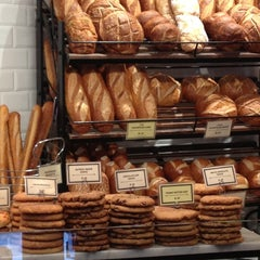 Photo taken at Boudin Bakery Café Macy's Kiosk by Lee O. on 5/25/2012