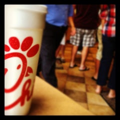 Photo taken at Chick-fil-A by Kenneth Ryan J. on 8/1/2012