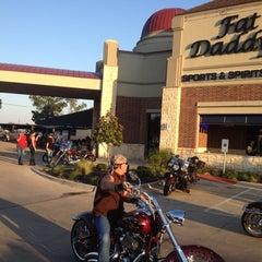 Photo taken at Fat Daddy's Sports & Spirits Cafe by Alex V. on 5/18/2012